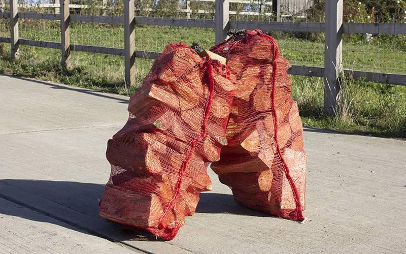 Hardwood log nets – 52cm by 83cm